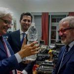 l'ex governatore della Lombardia Maroni in visita al Museo Olivetti