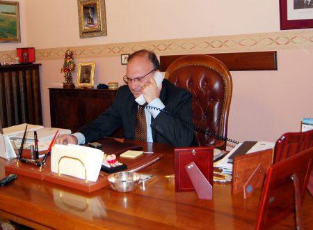 Saluto al questore Carmelo Casabona con studenti della Ruggiero e Mdl