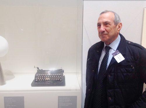 """A Parigi la mostra """"la dolce vita"""" con la prima portatile Olivetti MP1"""